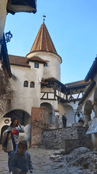 one day trip to Bran Castle