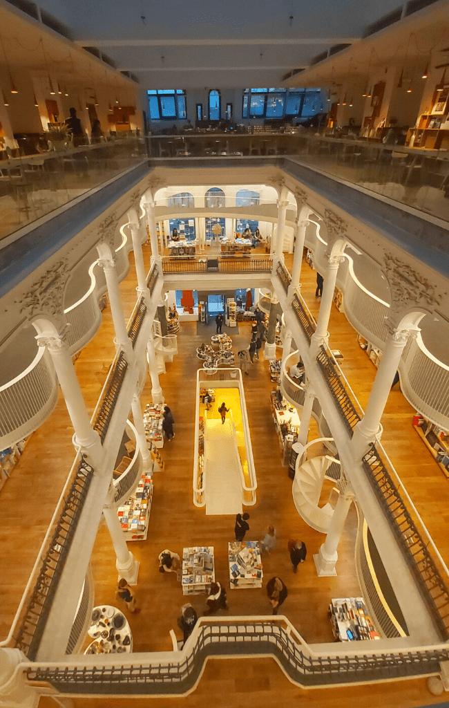 Cărturești Carousel Bookstore