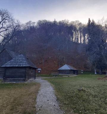 One day trip from Bucharest to Rasnov