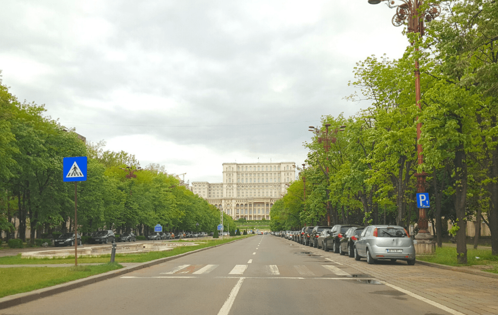 the fascinating deserted streets of Bucharest