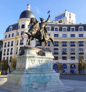 Statue of Mihai Viteazul