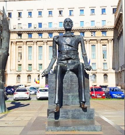 Statue of Iuliu Maniu